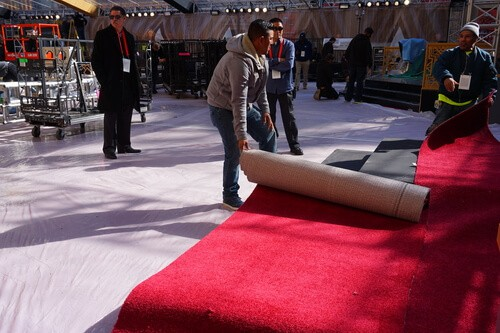 Tinsel Town Fibres – The Story Behind The Oscars Red Carpet